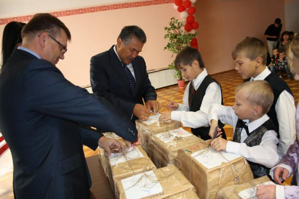 Партийный проект «Книги детям» пришёл в Усинск
