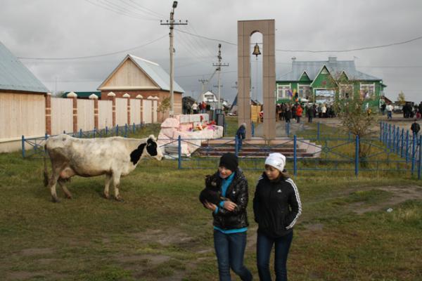 Праздничными гуляниями и ярмаркой отметили жители Колвы 185-летие села