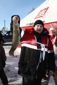 """Более 11 килограммов рыбы выловили участники VII конкурса """"Рыбак рыбака"""" в Усинском районе"""