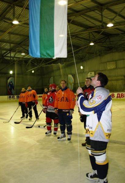 В Усинске стартовало Первенство города по хоккею с шайбой
