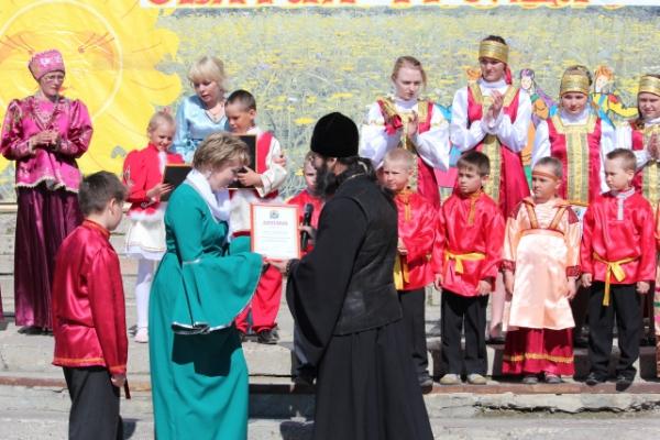 3 июня в селе Усть-Уса состоялся традиционный праздник «Святая Троица»