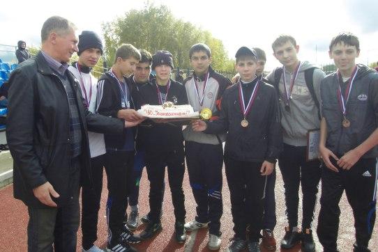 В Усинске прошёл турнир по мини-футболу «Кожаный мяч – 2012»