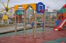 В Усинском парке культуры и отдыха завершены работы по установке детской площадки