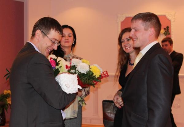 В ЗАГСе торжественно зарегистрировали 500-го ребёнка, родившегося в Усинске с начала этого года