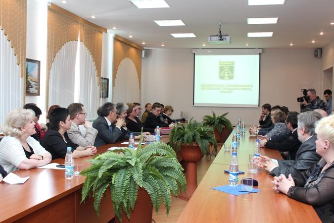 В администрации МО ГО «Усинск» состоялась встреча глав Усинска и Нарьян-Мара