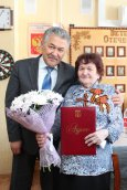 Мэр Усинска Александр Тян поздравил труженицу тыла Марию Костюченко с 85-летием
