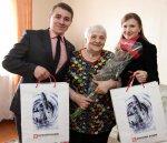 Ветераны войны принимают поздравления от ООО «ЛУКОЙЛ-Коми» на дому