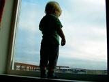 В Усинске 4-летняя девочка выпала с девятого этажа и чудом осталась жива