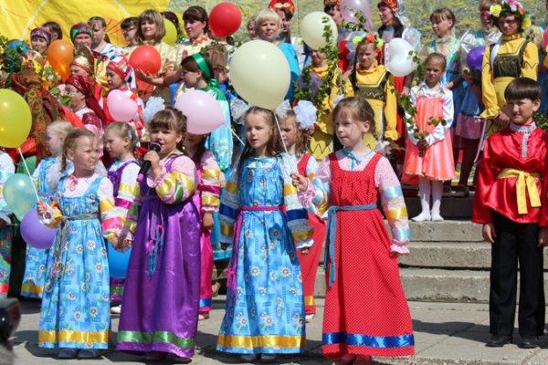 В Усть-Усе прошёл традиционный фестиваль народного творчества «Святая Троица»