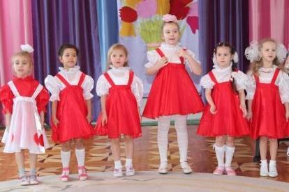 Маленькие усинцы поздравили Совет Ветеранов с Международным женским днем