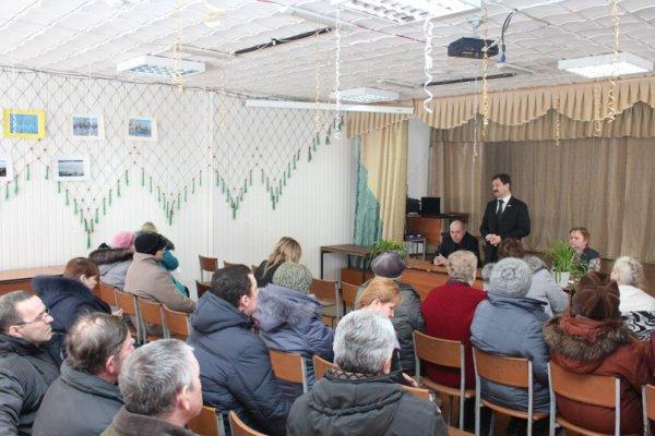 Вице-спикер парламента Коми Станислав Хахалкин встретился с жителями Усть-Усы и Новикбожа
