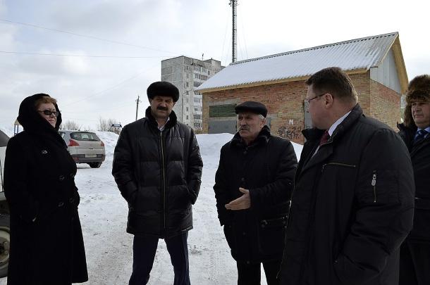 Станиславу Хахалкину обозначили круг проблем жителей Усинска