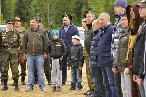 День ВМФ в Усинске встретили на природе