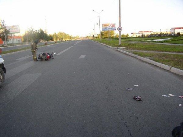 На улице Нефтяников опрокинулся скутер